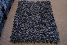 rag rugs / by Viola Melcher