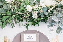 Stunning Wedding Napkin Folds / There are so many elements that go into an amazing tablescape, but we feel the most impactful is the napkin. Beautifully folded napkins are a small detail that can pack a big punch. Check out our six favorite wedding napkin folds.