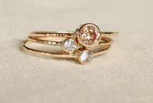 • Acessórios e jóias