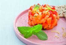 Melone, dolcezza e fantasia / Con l'arrivo dell'estate ci lasciamo tentare dal bel colore del melone