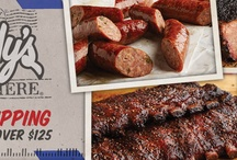 How to Make BBQ Texas BBQ / Real Texas bar-b-q requires more than just using a sauce made in the Long Star State. You need to include the techniques and ingredients that make Texas BBQ so great and flavorful. Begin your search to make your BBQ Texas style by figuring out the techniques like the dry rub and temperature.