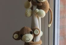monitos al crochet