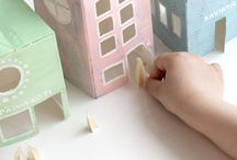 DIY toys easy & natural / There is something so delicate and special about toys that can be made in no minute with simple materials (especially if they're natural) to surprise the kids and create no real waste out of it if they get uninterested really soon.