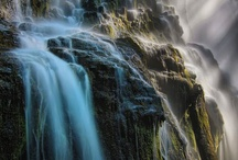 Waterfalls and Rapids / Waterfalls and the structure of the rocks supporting them.