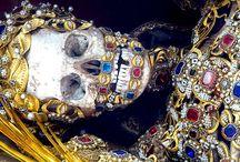 skulls / by Lucas Freitas