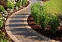 ścieżki w ogrodzie