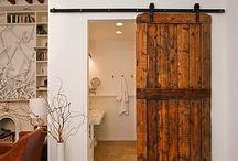 tahta kapılı banyo üst kat