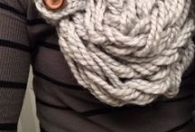 Belts, scarves and long necklaces / I would like to make these too...