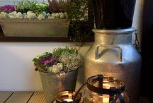 Pientä sisustusta / Lapsiperheen koti, jossa on innostuttu vihersisustamisesta, keltaisesta, suomi designista ja skandinaavisuudesta.
