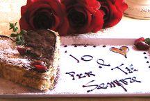 """Weekend Romantico in Toscana San Gimignano / L'agriturismo romantico Taverna di Bibbiano organizza stupendi weekend romantici in Toscana, lune di miele, mini lune di miele, anniversari, vacanze romantiche in Toscana e vi aiuta a personalizzare il vostro soggiorno a due con tante """"chicche romantiche"""": il pacchetto di Benvenuto romantico al vostro arrivo, la cena a lume di candela con menù speciale e torta a forma di cuore, la colazione romantica in camera, le sorprese, i fiori, i regalini, il concerto sotto le stelle, la serenata..."""