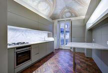 Residenza privata Via Donati / La natura originaria dell'edificio, le volte preesistenti ed i pavimenti d'epoca sono l'ispirazione per comporre un elegante canone inverso.  Ad una continuità estetica si coniuga, nei 160 mq di planimetria, un progress funzionale.