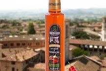 Faszinierendes Olivenöl / Interessant wie faszinierend Fotos von unterschiedlichen Arten Olivenöl sein können.