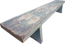 Lavička (malá) / Klasická malá lavička s patinou a malým tajemstvím, které si nechám pro sebe. Rozměr 1500x300x300