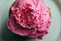Cupcakes Galore / by Savanna Wortley
