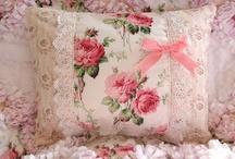Cojines,  ropa de cama  ,  cortinas  ,  manteles   etc