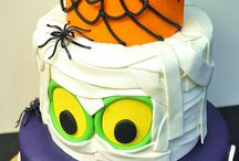 Cakes and cupcakes halloween / by Dianna Bogart