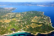 Just next to the Hotel Sezz Saint Tropez / The village of Saint-Tropez is located on the southeast coast of the Var on the peninsula of Saint-Tropez, which closes the gulf of the same name. The town is in a crescent around the bay of canebières on the entire peninsula, and has six beaches.