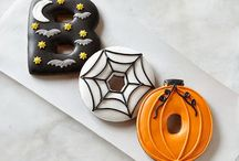 Children's Halloween party and costume ideas / Kids love Halloween! Whether you're throwing a party or taking them trick or treating, and here's the place to find costume, party and games inspiration.