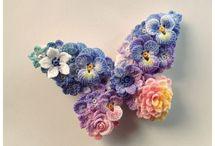 Flori,coliere crosetate