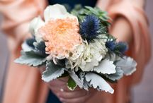Show me your Colours: Navy and Coral / Going beyond traditional colour palettes on your wedding day.