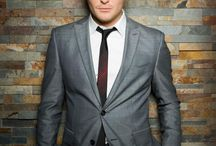 Michael bublé <3 / Pictures of the wonderful Michael bublé Cause he's perfect / by Ana Bublé