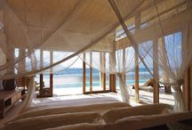 Bedrooms Seaview / Bedrooms, with view over the sea.