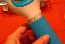 Scholl Velvet Smooth pila electronica cu cristale de diamant / Pila Scholl Velvet Smooth cu cristale de diamant este un dispozitiv extrem de eficient si usor de utilizat in intretinerea talpilor, mai ales daca exista tendinta de ingrosare si asprire a pielii.