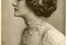 Vintage jewellery photos