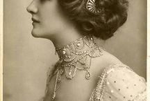 Vintage jewellery photos