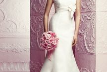 Paloma Blanca / View our collection of award-winning Paloma Blanca wedding dresses. Beautiful bridal gowns, creating 100% Canadian handmade wedding dress for over 75 years.