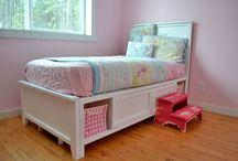 Girl Rooms / by Jen Worthen