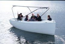 Solarboote - Schiffe - Solar driven ships / Kein Geräusch, kein Geruch, schweben über dem Wasser. Mit Solarkraft. No sound, no smell. Floating over the water. Solarpower driven. http://www.mare-solar.com/shop/index.php?main_page=index&cPath=862