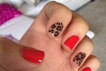 Manis and Nail Art! / by Lindi Gomez