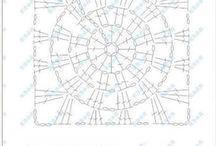 Tığla işlenmiş kareler motif