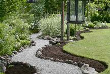 Paths & Walkways / Where will you tread this growing season? Instead of simple earth, why not spruce up your garden paths to give them a beautiful, rustic, or springy touch? The Gardener's Path gives you articles here that capture the very essence of its name: the Gardener's Path.