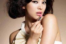 Makeup & Nails / by Monz Estolas