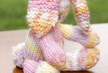 lapin en tricot pour paques.