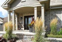 Façade / Confiez la façade de votre maison à l'équipe d'experts de Brisson paysagiste! http://www.brissonpaysagiste.ca/