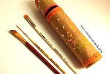 Bordado (DIY) / Bordado y reciclado,estuche casero (DIY)  :http://www.cosascositasycosotasconmesh.com/2013/08/como-hacer-un-estuche-bordado.html
