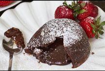 Desserter, kager og søde tærter / Har du en sød tand og leder du efter en helt speciel kage eller dessert, se hvad vi har fundet og har delt med dig. Måske er der er dessert du bare bliver nød til at lave.