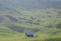 Tiny house and cabiin / Tiny house or isolated cabins in crazy sceneries / by White As Milk