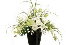 Weddings: flower arrangements, bouquets, centerpieces and more… / Floral Arrangements