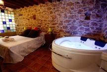Casa Relax 2014 / Casa rural Relax, casa romántica donde las haya, consta de 1 dormitorio, con aseo, TV con internet, jacuzzi en forma de corazón y un altillo donde se encuen
