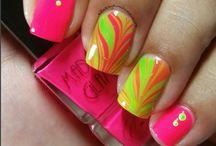 Madam Glam nail polish / Nail polish swatches and nail-art