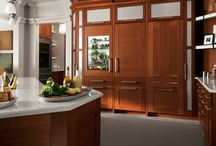 Kitchens / by Ruth Welch