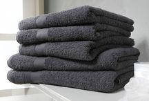 Fijne & Zachte handdoeken / Zijn jouw handdoeken ook aan vernieuwing toe? Bekijk dan de collectie handdoeken op www.fijnehanddoek.nl en ervaar weer hoe zacht een handdoek kan zijn.
