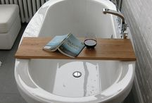 Sigh....I love a great tub. / by Libbie Burling