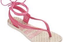 Sandale Ipanema fabricate în Brazilia / Vine vara! Vrei libertate? Vrei confort? Vrei eleganţă? E timpul să iti alegi perechea favorită de sandale! www.shoexpress.ro