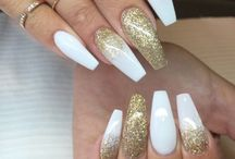 nail designs white and gold