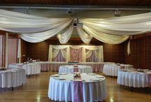 """Púder esküvők / A púder az a szín, amelyet  a vőlegények többsége a """" rózsaszínes"""" árnyalatok közül még el tud viselni. Elegáns, visszafogott, mégis  elég élénk ahhoz, hogy érvényesüljön a térben."""